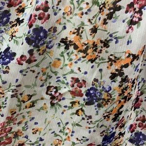 B Jewel Dresses - A floral dress with back lace detail
